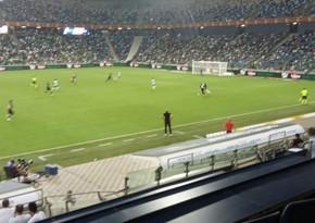 Главный тренер Нефтчи наказан за инцидент с болельщиком
