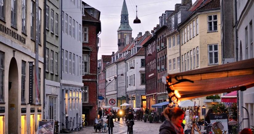 Дания запретила собрания больше 10 человек и продажу алкоголя