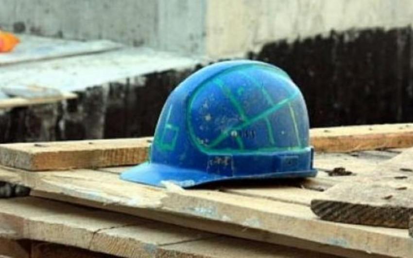Moskvada tikintisi davam edən binanın uçması nəticəsində 5 fəhlə yaralanıb