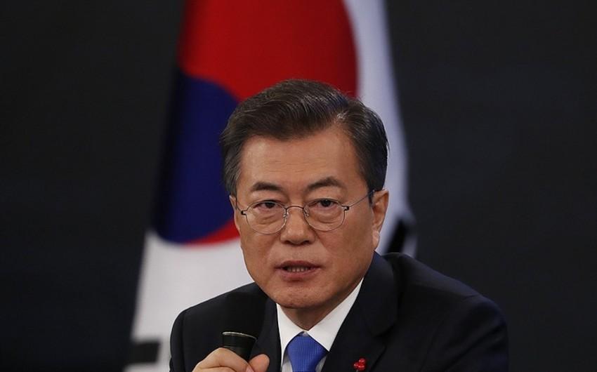 Cənubi Koreya prezidenti Mun Çje Inın nüfuzu 70 faizi ötüb