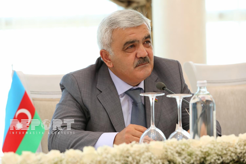 Rövnəq Abdullayev: Azərbaycan bu il neft hasilatını artırmayacaq