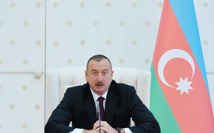 Prezident: Bəzi hallarda səfirliklərimizdə çalışanlar öz işinə laqeyd yanaşırlar