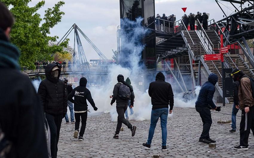 Fransada keçirilən etiraz aksiyaları zamanı 2 nəfər xəsarət alıb