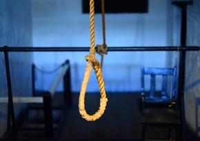В Гяндже молодой парень совершил самоубийство