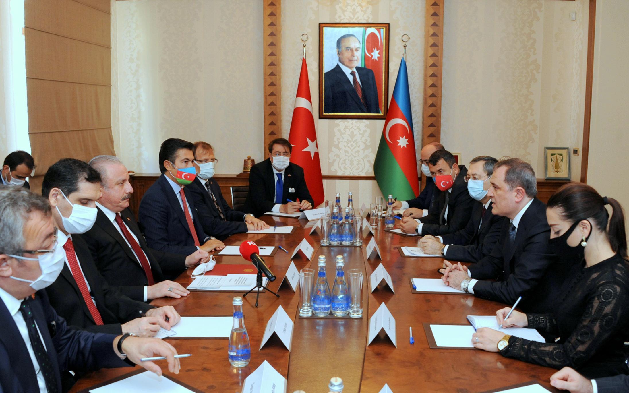 Ceyhun Bayramov Türkiyə parlamentinin sədri ilə görüşüb