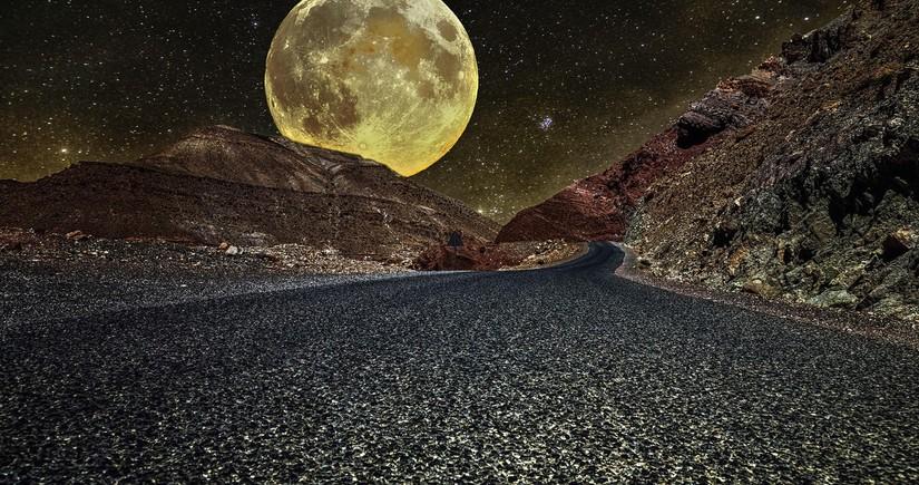 NASA Ayda su tapdı