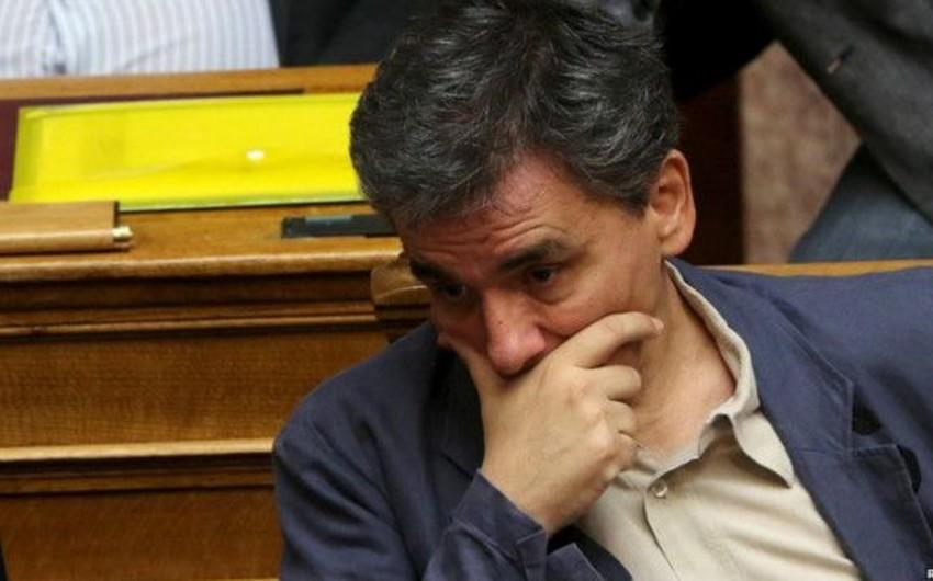 Yunanıstan parlamentində maliyyə yardımı qanunları müzakirə edilir