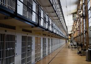 В Азербайджане 18 осужденных заразились COVID-19, 2 досрочно освобождены