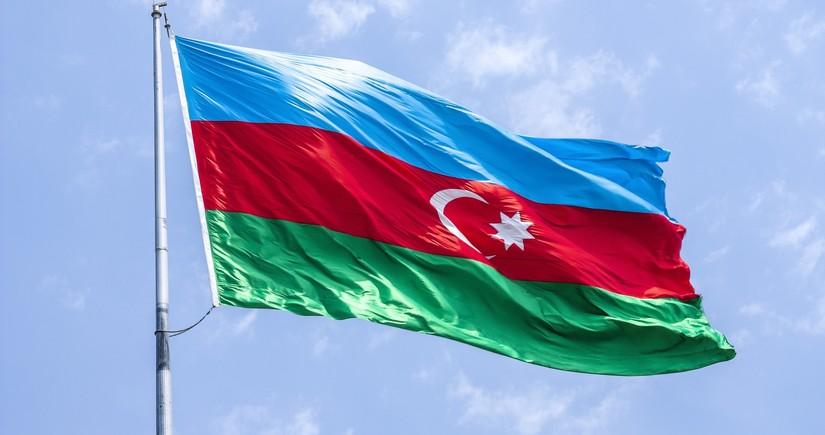 Azərbaycanın Qazaxıstandakı səfirliyində dövlət bayrağı endirilib