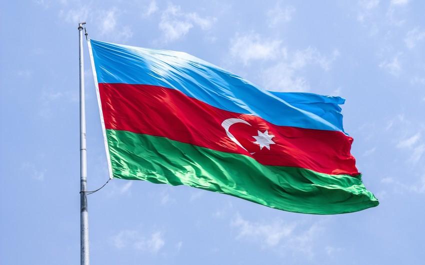 В посольстве Азербайджана в Казахстане приспущен флаг