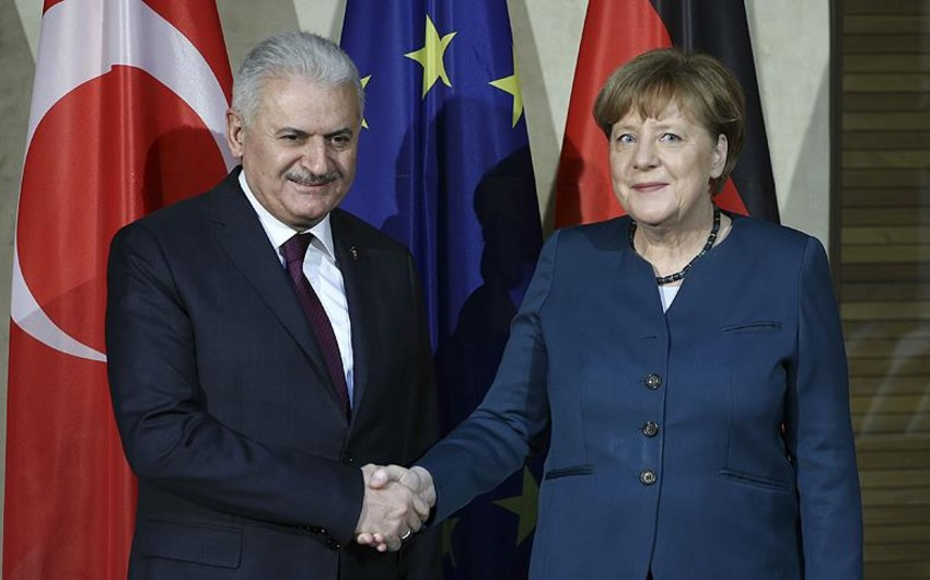 Türkiyənin baş naziri Almaniya kansleri ilə görüşəcək