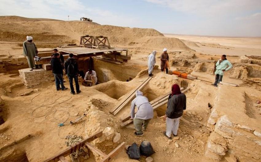 Misir arxeoloqları qırx sarqofaqdan ibarət nekropol tapıblar