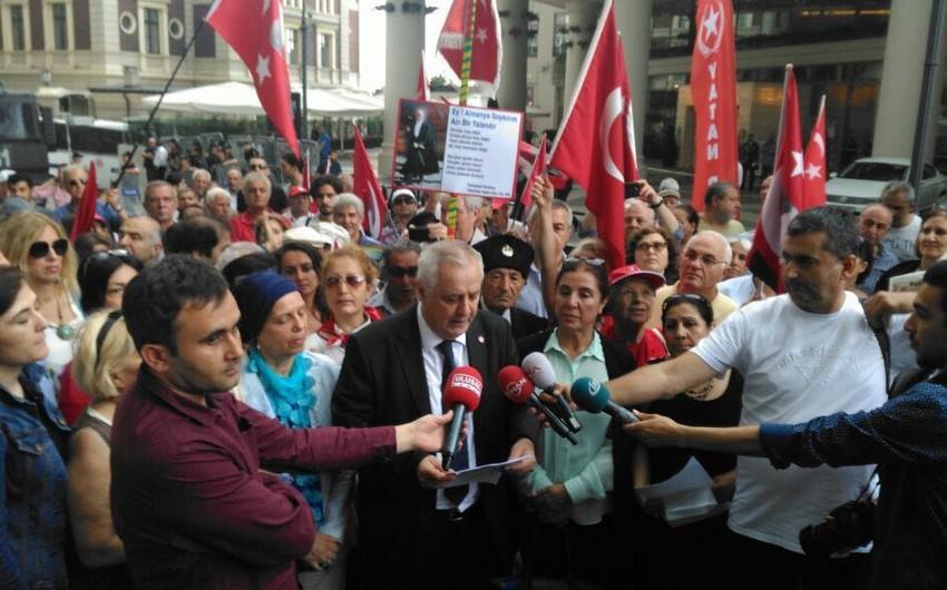 İstanbulda Almaniya baş konsulluğu qarşısında aksiya keçirilib - FOTO