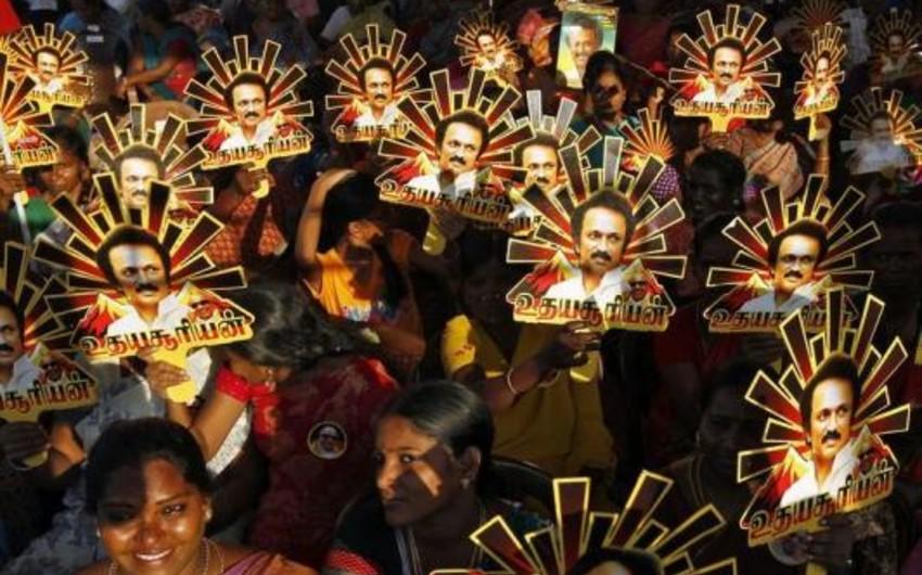 Hindistanda seçki zamanı qarşıdurma olub, 12 nəfər ölüb
