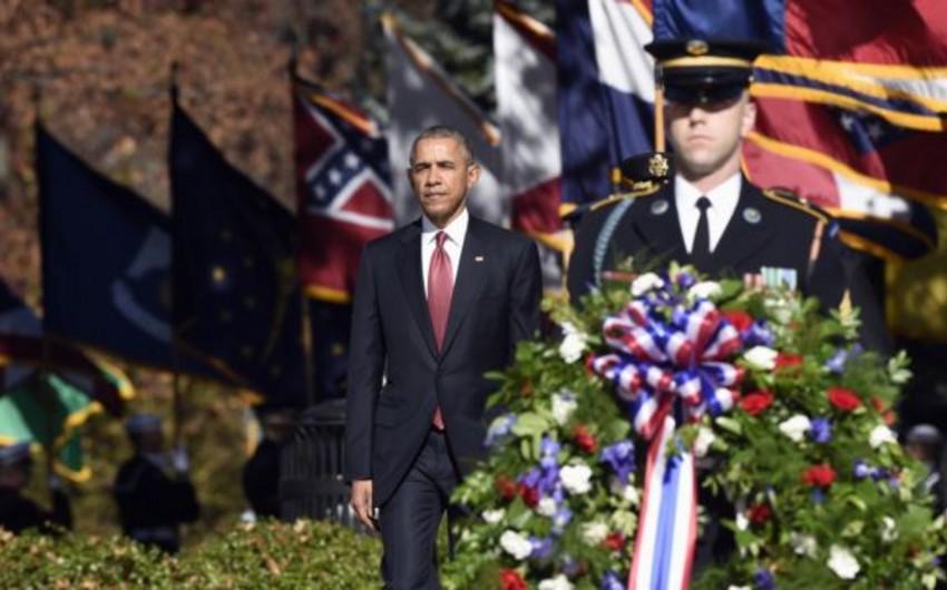 Obama Amerika veteranlarını alqışlayıb