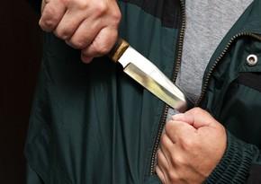 Lənkaran sakini Samuxda bıçaqla özünə xəsarət yetirib