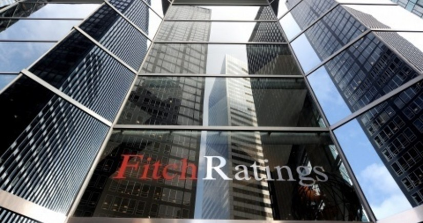 Fitch expects Brent oil price to drop after rising to nearly $70
