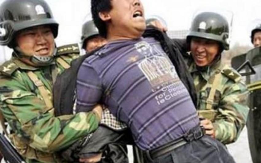 Çin polisi 28 uyğuru qətlə yetirib