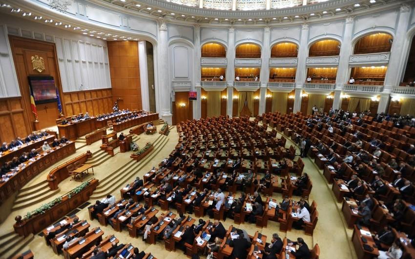 Rumıniya parlamenti hökumətə etimad məsələsini müzakirə edəcək
