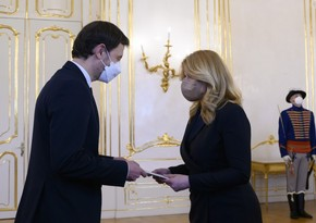 Slovakiya prezidenti yeni baş naziri və hökumətin tərkibini təsdiqləyib