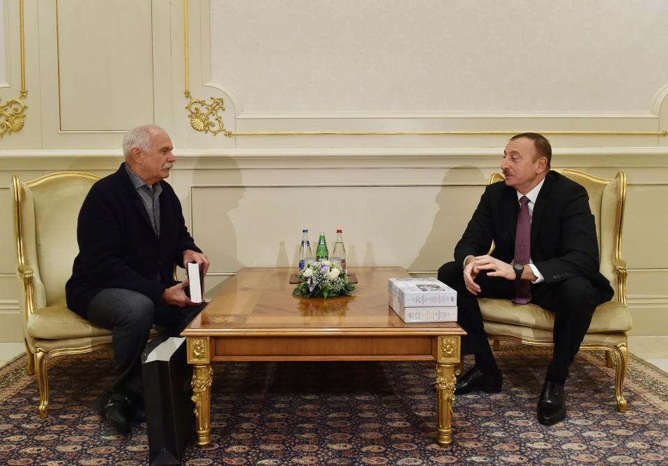 President Ilham Aliyev receives chairman of Russian Cinematographers Union