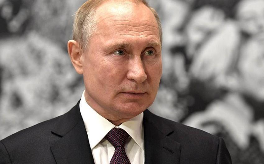 Putin İstintaq Komitəsinin, FHN-nin və DİN-in 10 generalını işdən çıxarıb