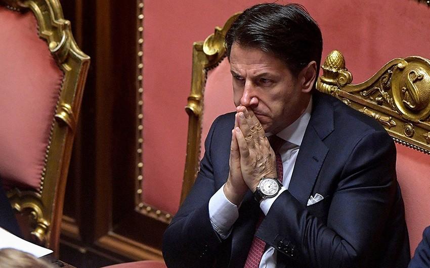 İtaliyanın baş naziri istefa verəcək