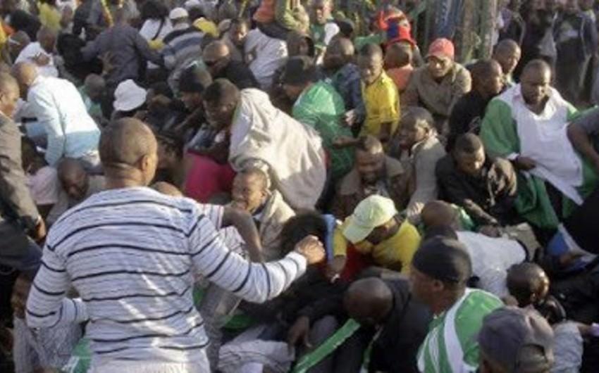 Nigerdə yaranan izdiham zamanı onlarla insan öldü