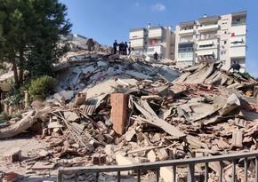 İzmirdə güclü zəlzələ olub, azı bir bina çöküb