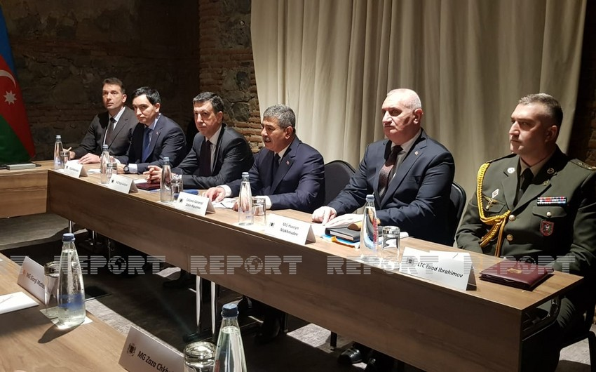 Azərbaycan və Gürcüstan müdafiə nazirlərinin görüşü keçirilir