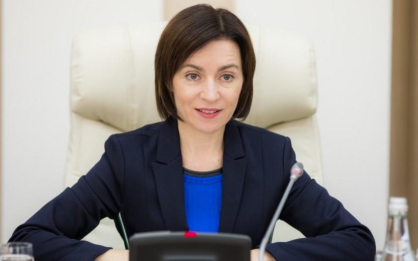 Pro-European Maia Sandu wins first round of Moldova election