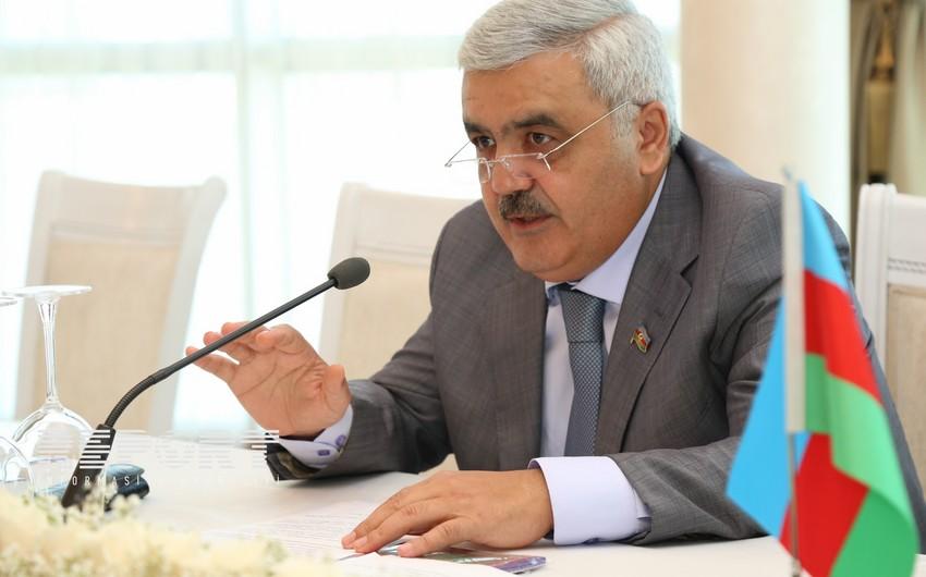 Rövnəq Abdullayev: İnanırıq ki, 2020-ci ilədək dünya enerji bazarında qiymətlər stabilləşəcək