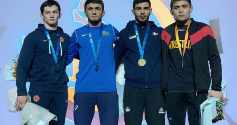 Azərbaycan güləşçiləri Kiyevdən 6 medalla qayıdır