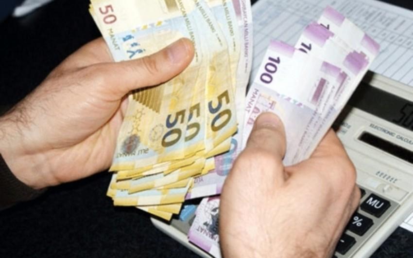 Azərbaycanda orta aylıq əmək haqqı 581 manata çatıb