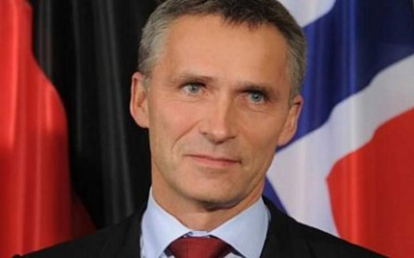 Baş katib: NATO Rusiya qoşunlarının hələ də Ukrayna ilə sərhəddə olduğunu müşahidə etməkdədir