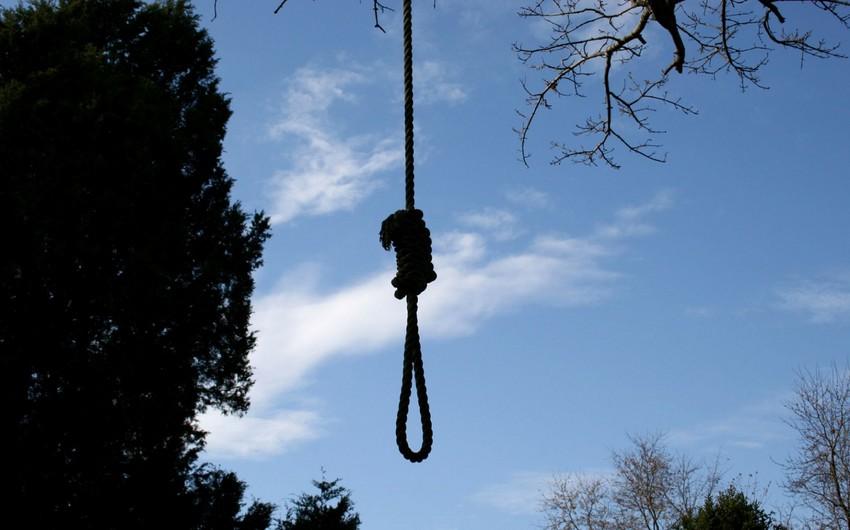 Paytaxtda 35 yaşlı kişi özünü asaraq intihara cəhd edib