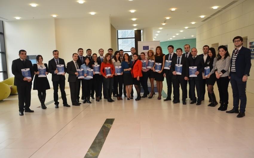 ADA Universitetində Azərbaycan dövlət qulluqçuları üçün keçirilən təlim kursları başa çatıb