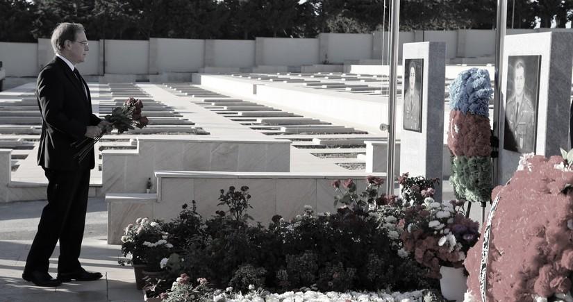 Посол США в Азербайджане почтил память шехидов