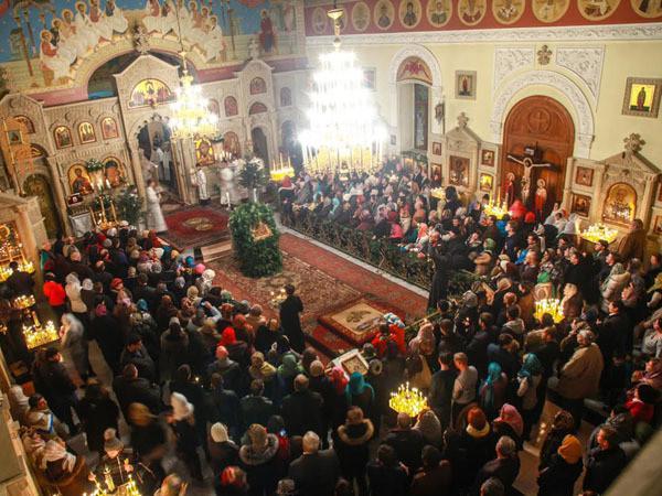 В Баку сегодня доставят Благодатный огонь из Иерусалима