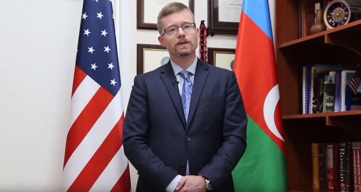 Посольство США поздравило азербайджанский народ с Гурбан байрамы - ВИДЕО