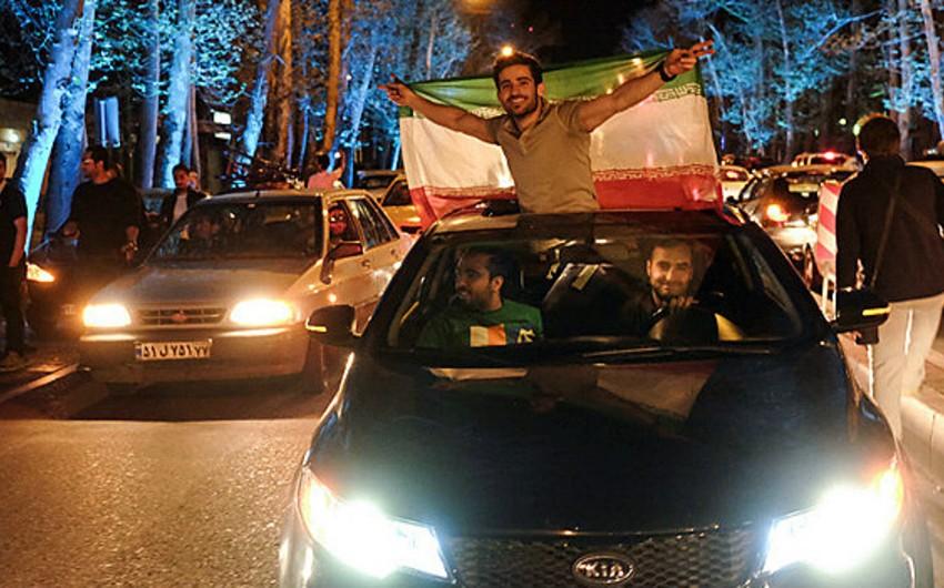 Razılaşma Tehran küçələrində bayram kimi qeyd olunub - VİDEO