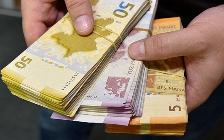 Monetary base declines 9% in Azerbaijan