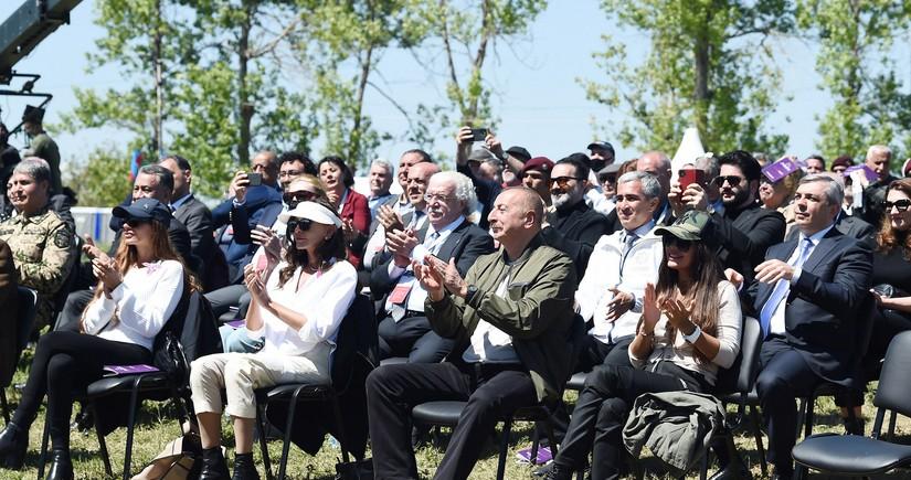 Ilham Aliyev and Mehriban Aliyeva attend opening of Khari Bulbul festival in Shusha