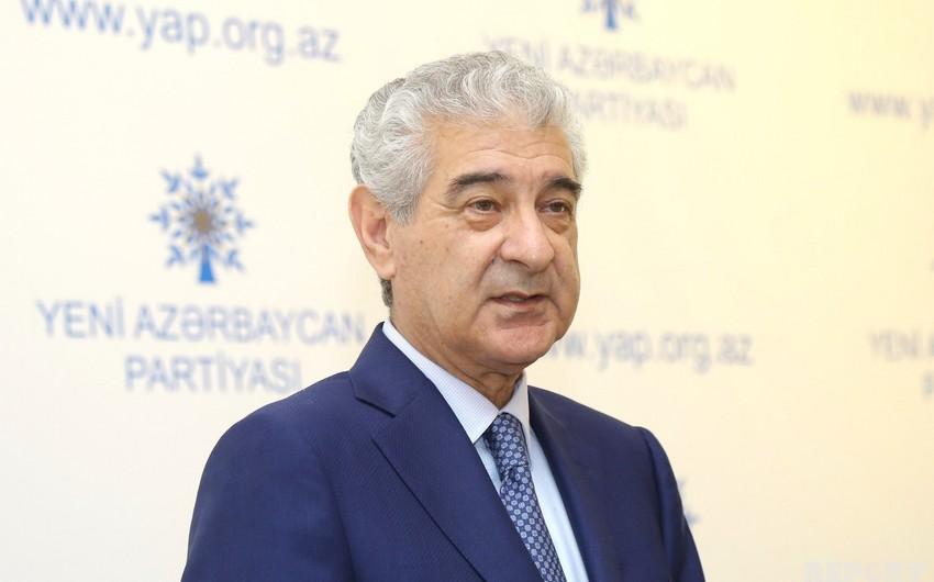 Əli Əhmədov: Hökumət koronavirusa, Əli Kərimli virusu Azərbaycana qarşı mübarizə aparır