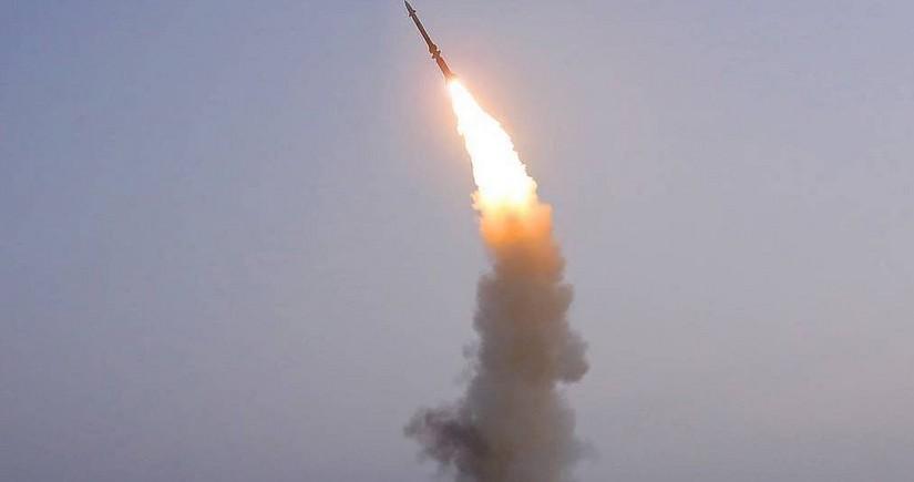 KXDR sualtı qayıqdan ballistik raket buraxdığını təsdiqləyib