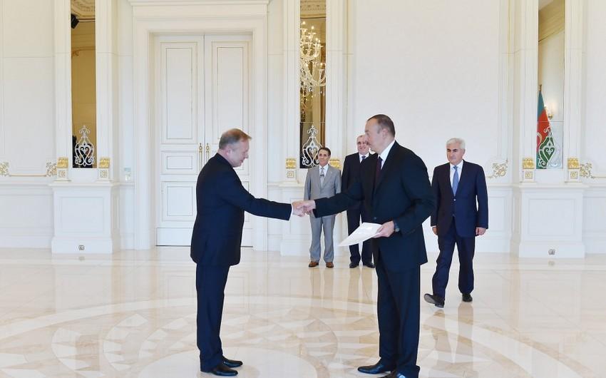 Azərbaycan Prezidenti Belarusun yeni səfirinin etimadnaməsini qəbul edib