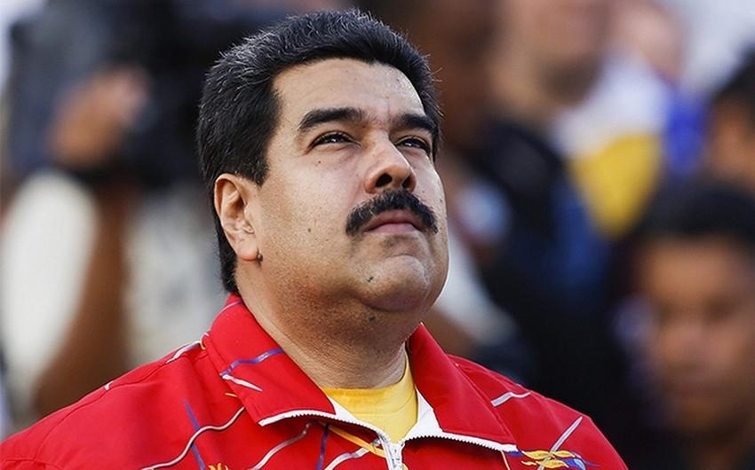 Maduro Trampın Venesuelaya hərbi müdaxilə təhdidini dəlilik adlandırıb