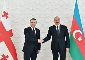 Президент Ильхам Алиев поздравил премьер-министра Грузии