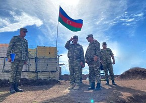 Закир Гасанов встретился с личным составом, несущим боевое дежурство в Кельбаджаре