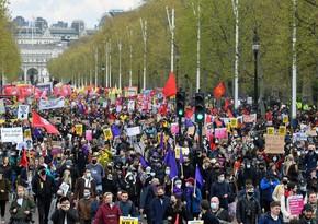 Londonda polisə qarşı keçirilən aksiyada bir neçə nəfər saxlanılıb